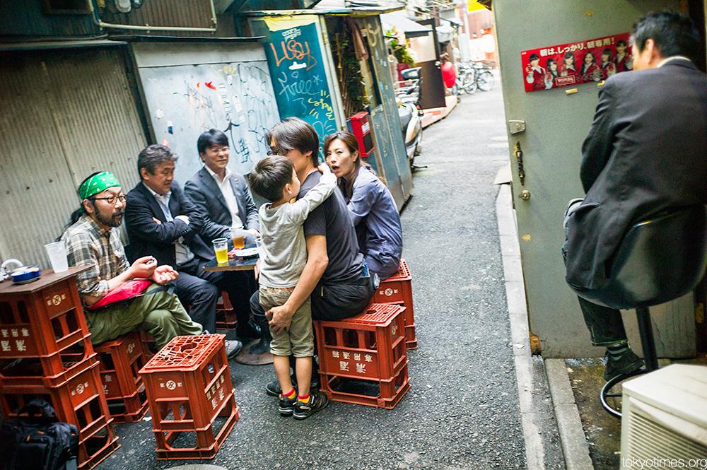 Gritty Shinjuku drinks