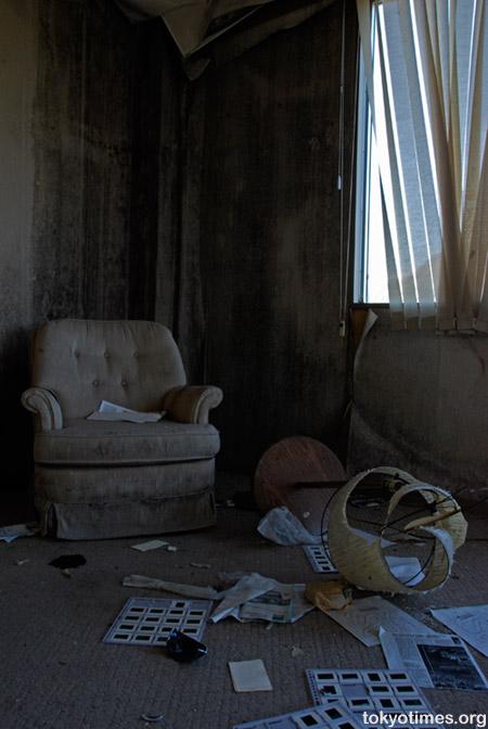 Japanese hotel ruin (haikyo)