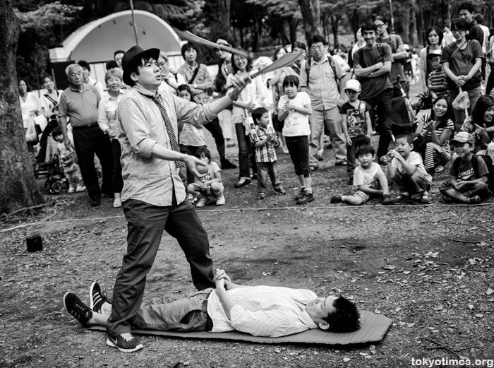 traditional Japanese street performer