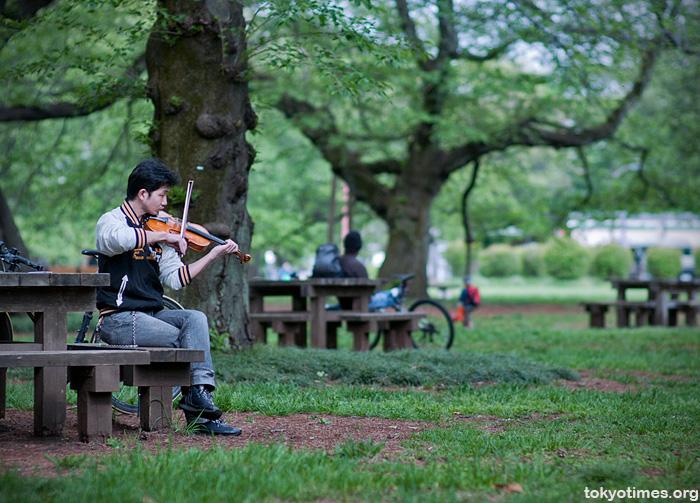 Tokyo violinist