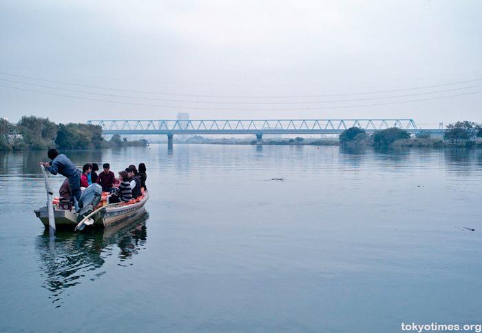 Tokyo man-powered ferry Yakiri-no-watashi