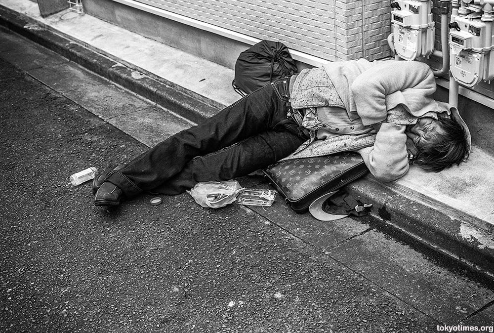 Tokyo poor and homeless in Sanya
