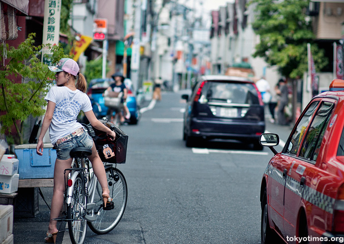 sexy Japanese cyclists