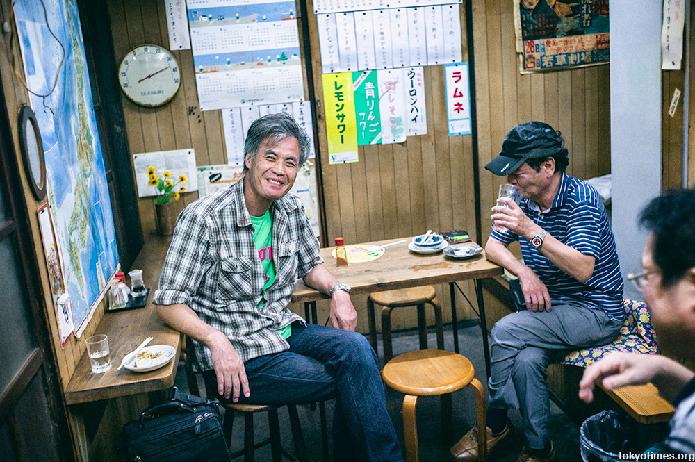 small Tokyo bar with big Japanese smiles