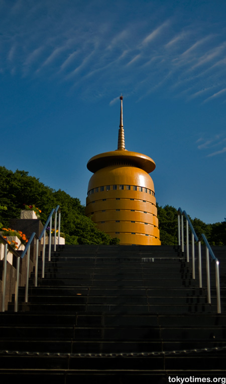 Gold Takao temple