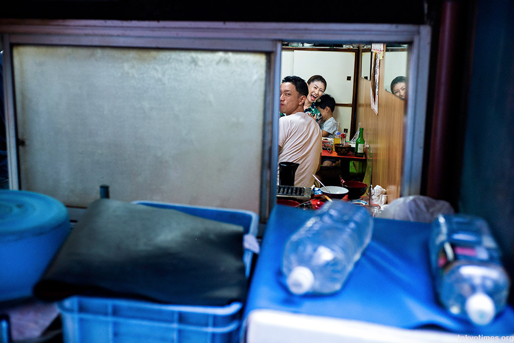 Tokyo restaurant smile and reflections