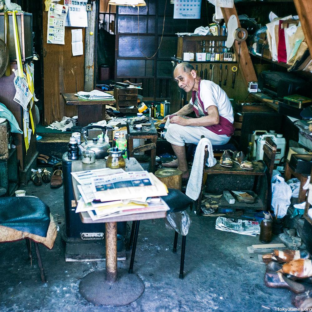 Tokyo's oldest shoemaker