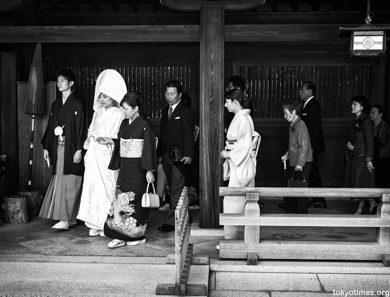traditional shinto wedding