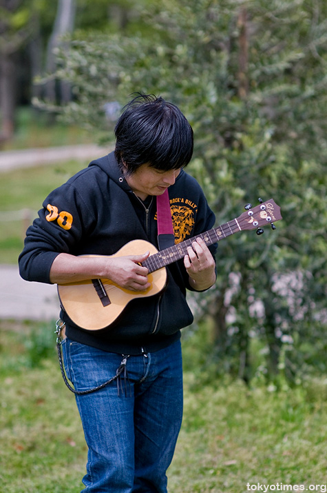 Japanese ukulele player