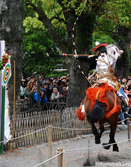 yabusame horse back archery