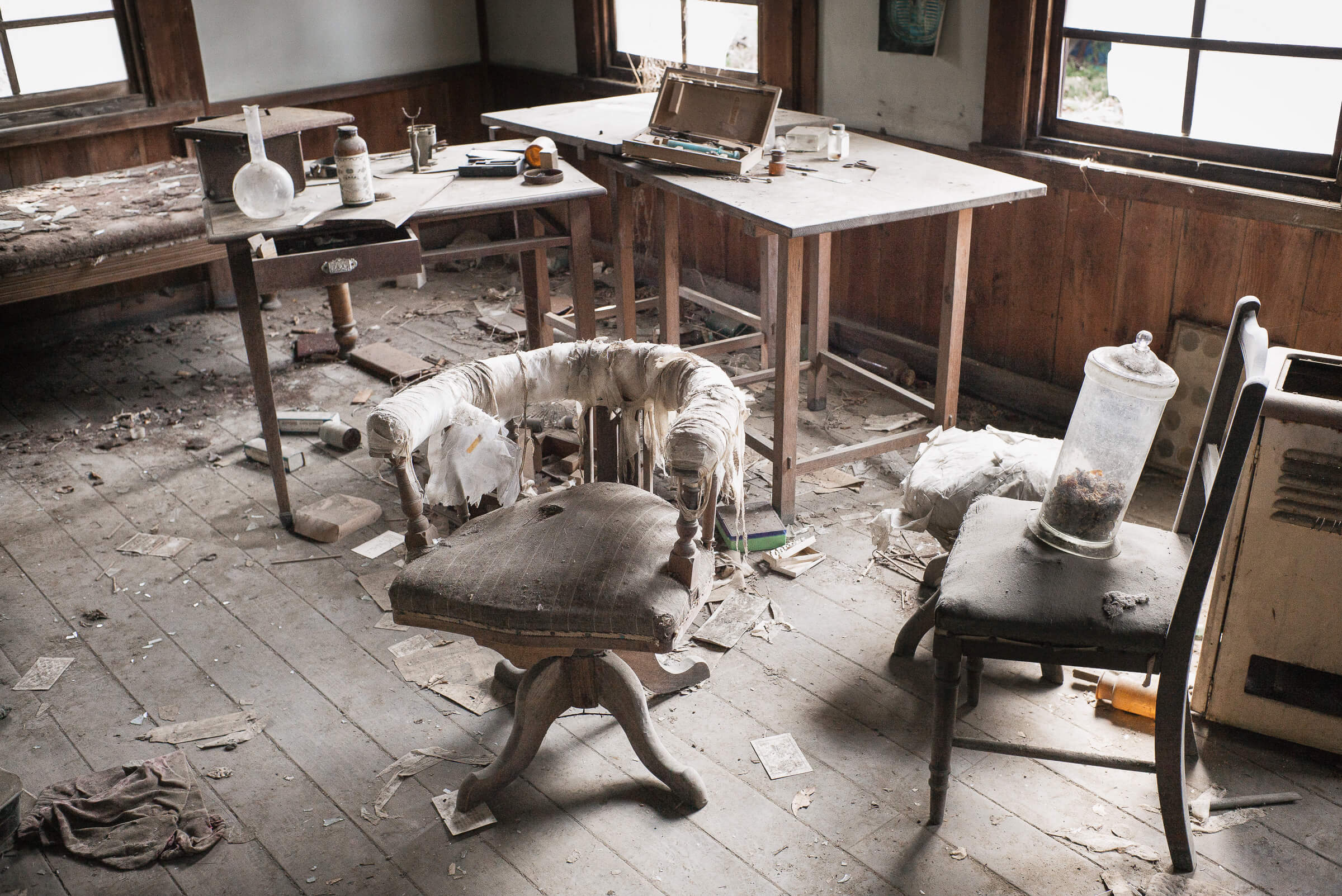 Building japanese furniture Mesmerizing Japanese Abandoned Old Japanese Clinic Tokyo Times An Abandoned And Slowly Decaying Japanese Clinic Tokyo Times