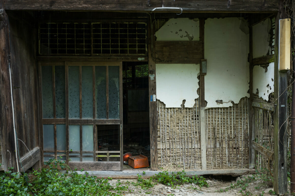 An abandoned Japanese hamlet in the mountains