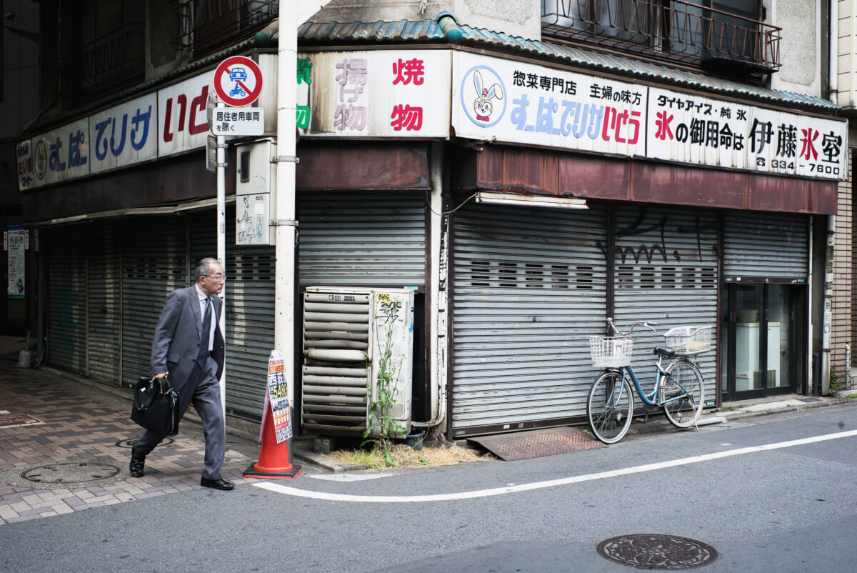 an old and faded corner of modern Tokyo