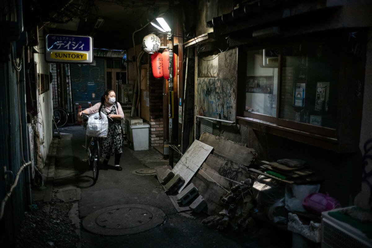 A crumbling Tokyo alleyway from another time