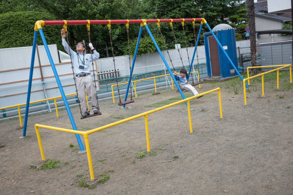 a tokyo playground swing de-squeaker