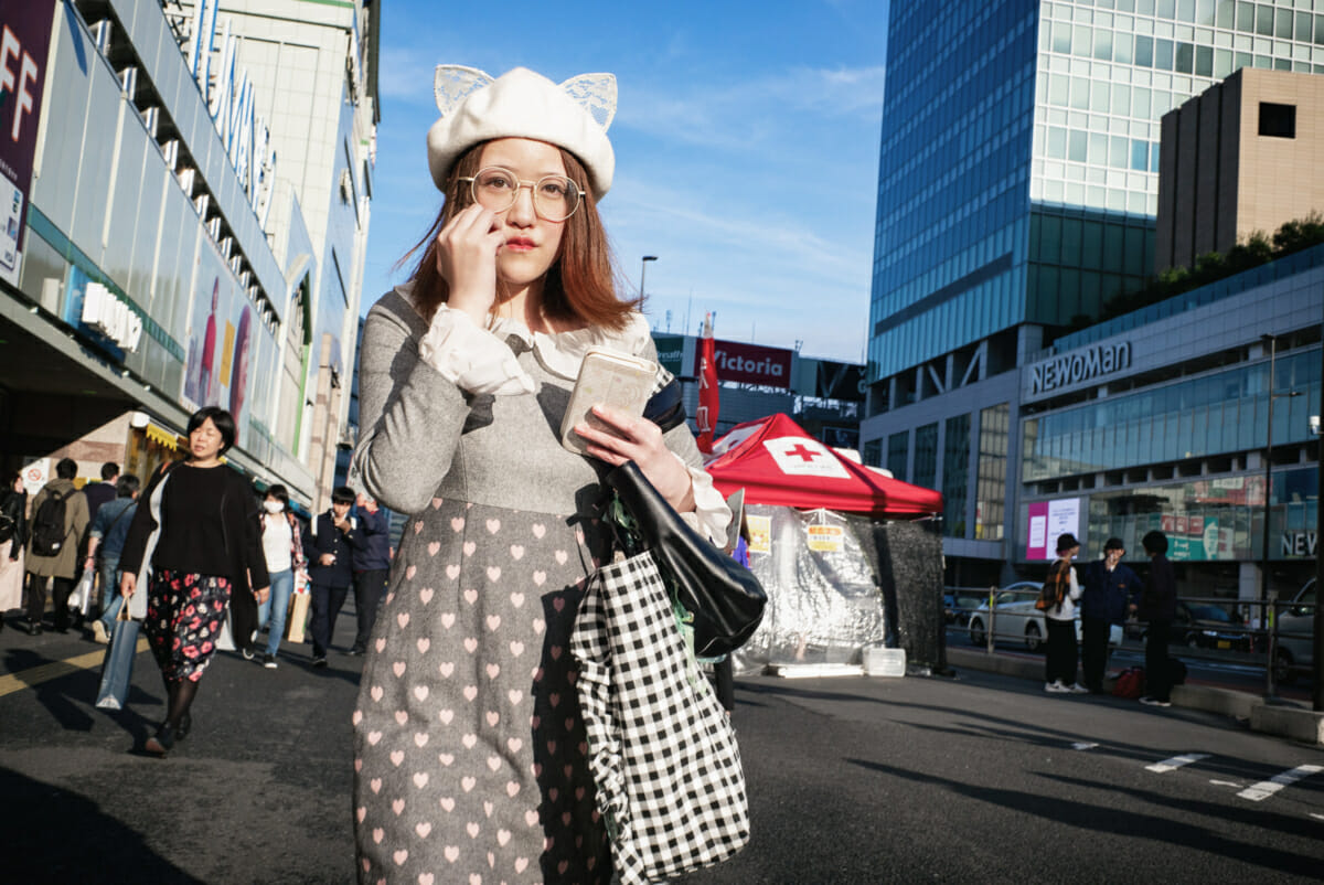 distinctive Japanese autumn fashion in Tokyo