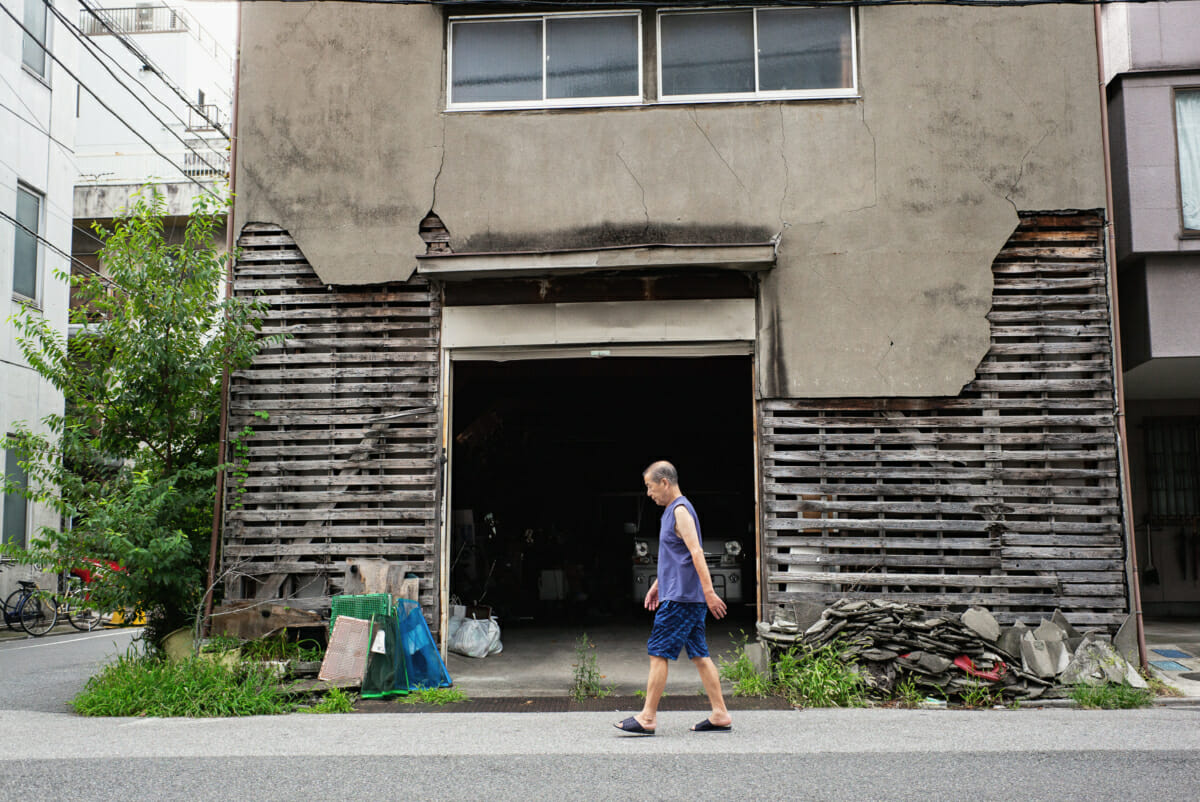 Old, crumbling and dilapidated Tokyo