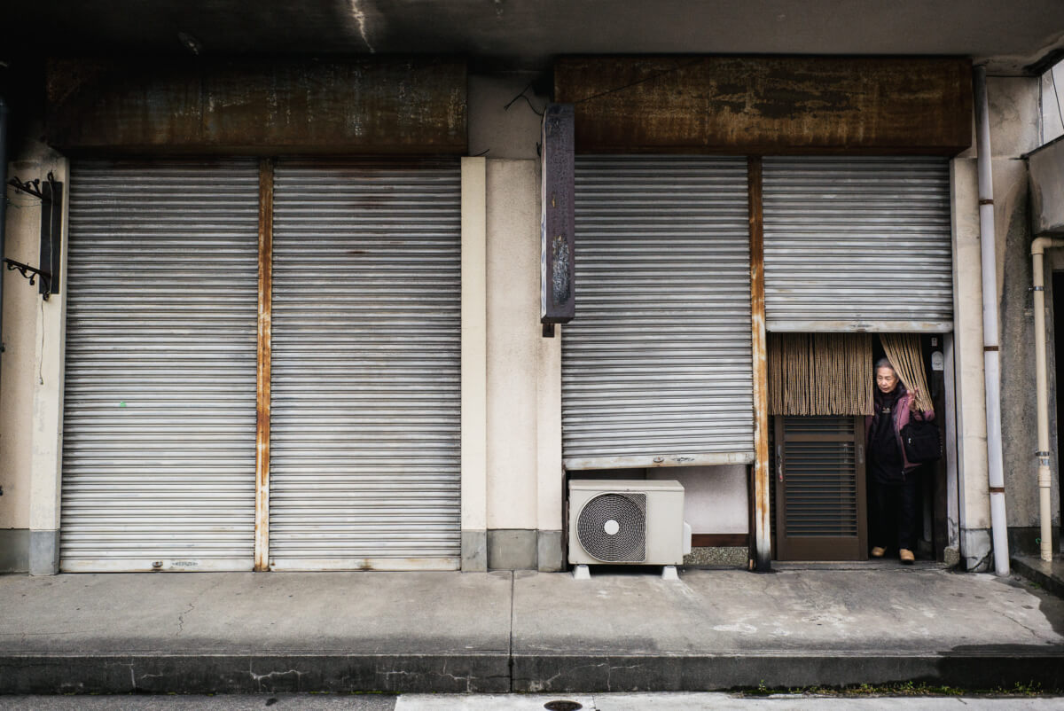 scenes from a faded Japanese city