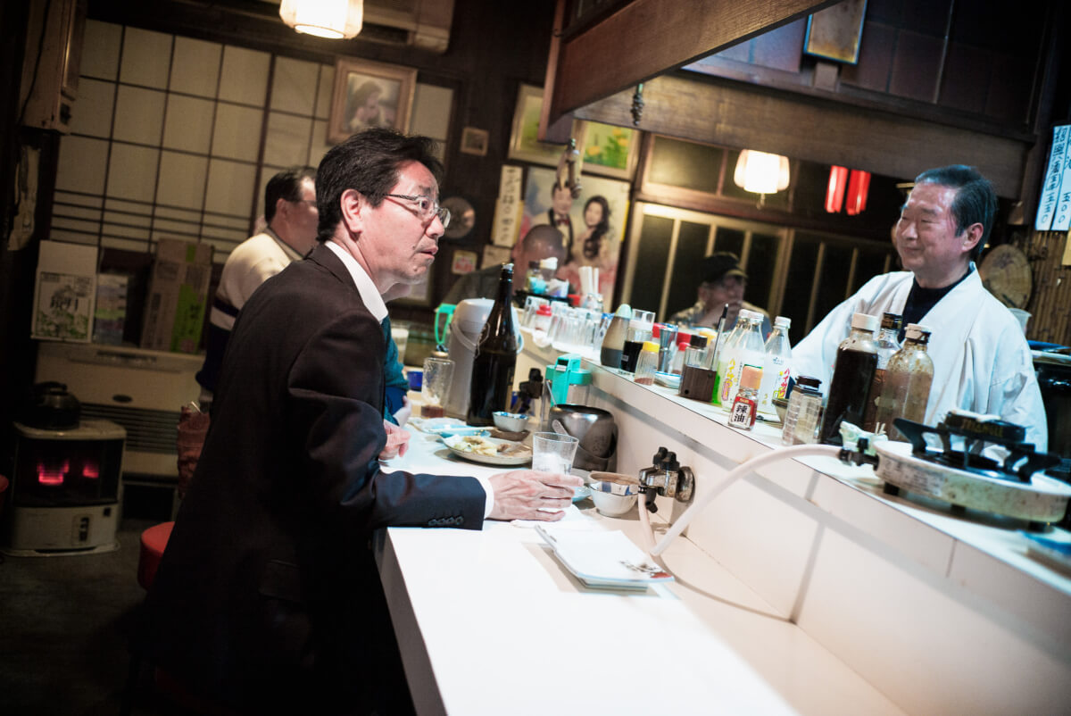 The distractions of a traditional Japanese bar