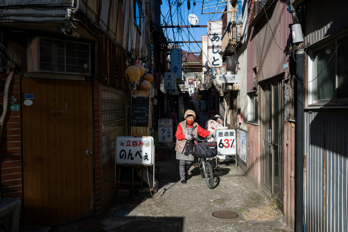 An old and traditional Tokyo alleyway