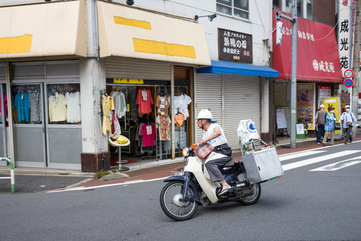 old style Tokyo motorbike food delivery