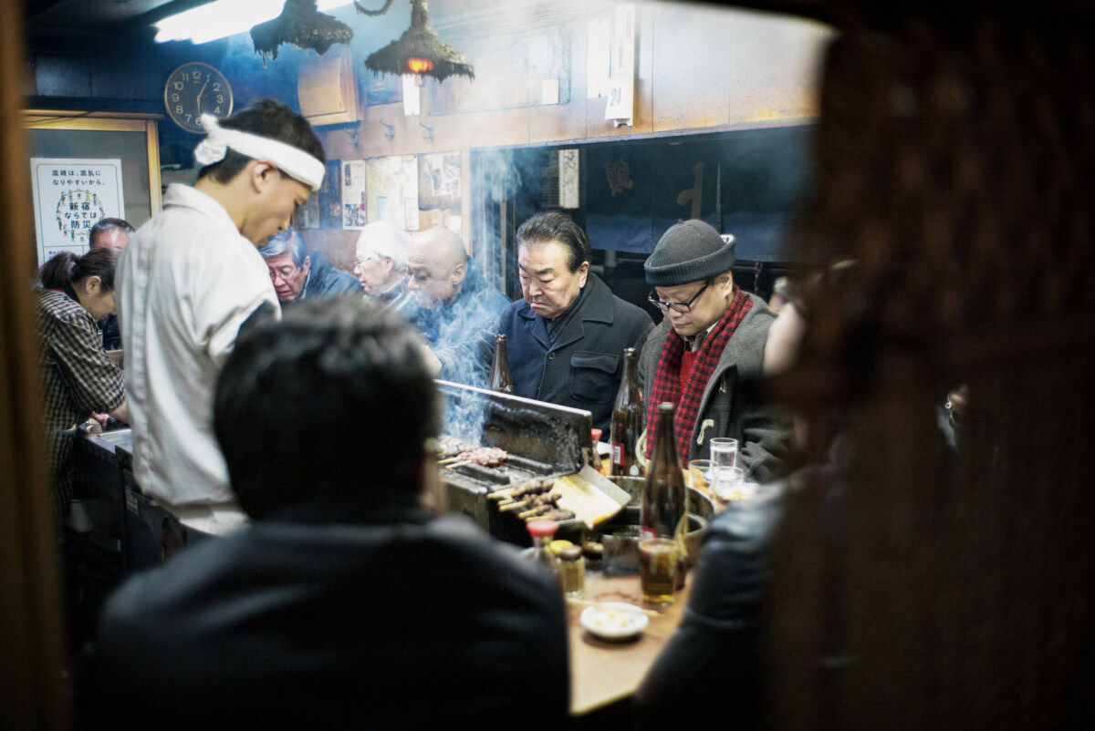 old tokyo bar scene and expressions