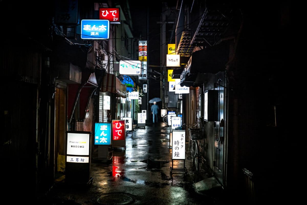 tokyo rainy season lights and reflections