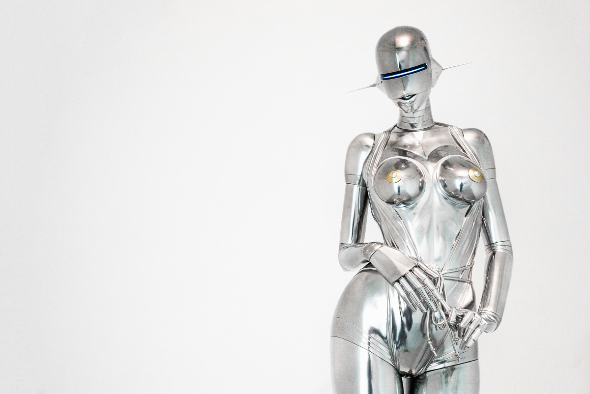 sexy Japanese robot