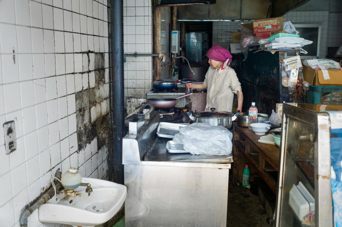 the dirtiest kitchen in Tokyo