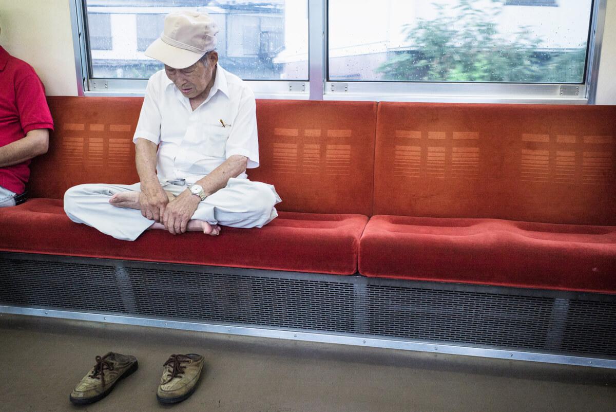 tokyo train zen