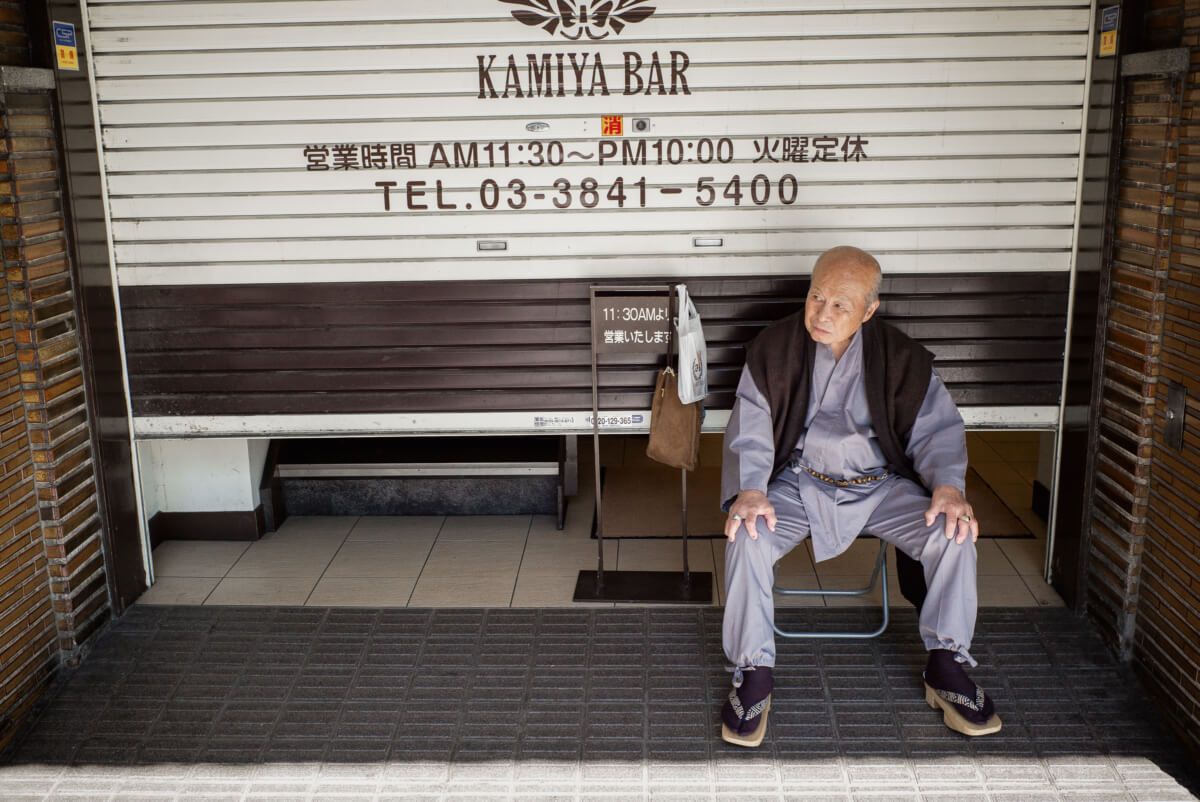 traditionally early drinks at Tokyo's Kamiya Bar